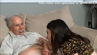 Opa enkelin fickt Freeporn Opa