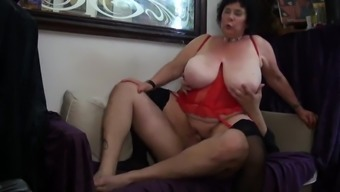 homemade amateur wife swallow